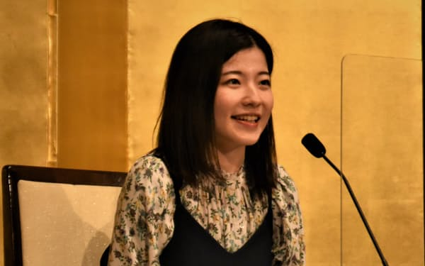 芥川賞に決まって記者会見に臨む                                                         宇佐見りん(20日、東京都千代田区)
