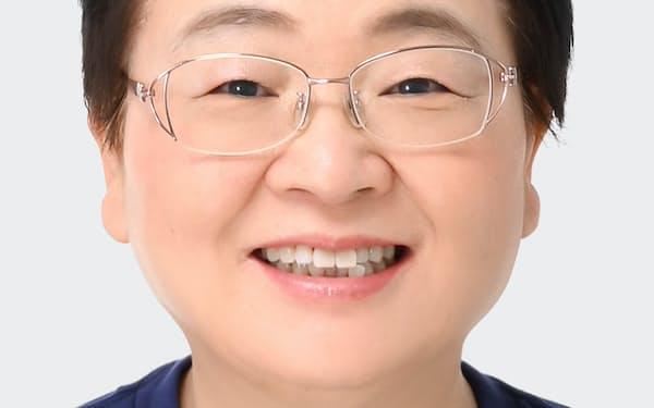ふくい・としこ 1991年杏林大医学部付属病院師長、同病院看護部長を経て2010年日本看護協会常任理事。17年6月より現職。