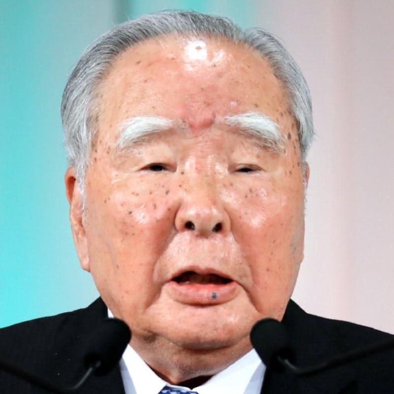 鈴木修氏、会長退任へ スズキの礎築く