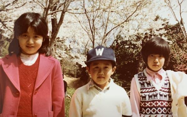 父の退職で宮城県へ引っ越し。3姉弟の長女として責任感が芽生えた