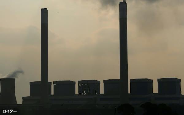 南アフリカにある石炭火力発電所=ロイター