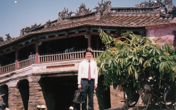 ベトナムの古都ホイアンの「日本橋」にて