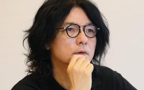 いわい・しゅんじ 1963年生まれ。映画監督。代表作に「リリイ・シュシュのすべて」「リップヴァンウィンクルの花嫁」。写真提供・文芸春秋