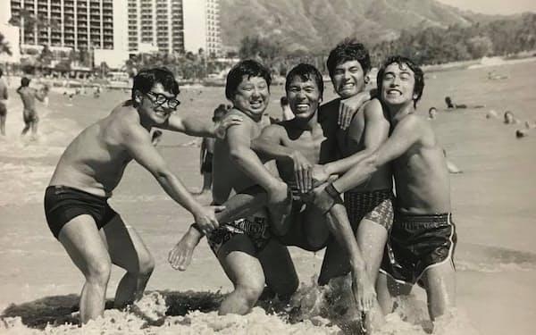 1974年に荒井注が脱退し、志村けん(右端)が正式メンバーになった