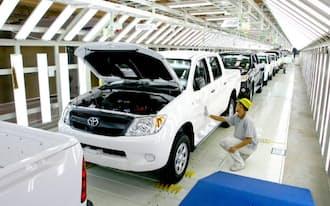 東南アジアの新車市場の不振が日本メーカーにも響いた(トヨタのタイ工場)