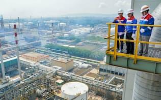 プルタミナがインドネシアで増強予定の製油所(11月、ジャワ島中部) =アンタラ通信