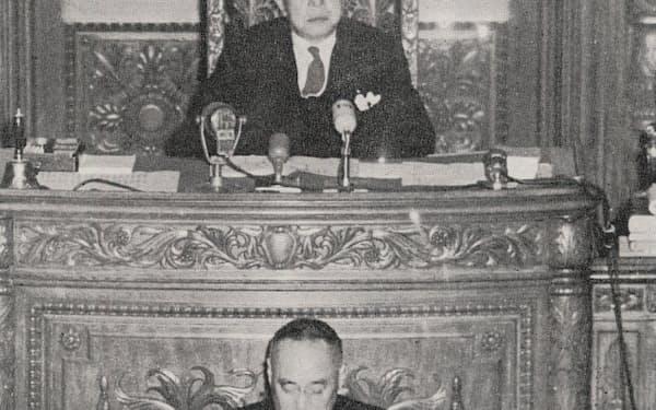 衆議院議長の大野伴睦と首相の吉田茂=大野伴睦先生追想録刊行会「大野伴睦」より