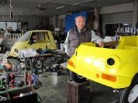 タケオカ自動車工芸の武岡社長は新車設計を自ら主導