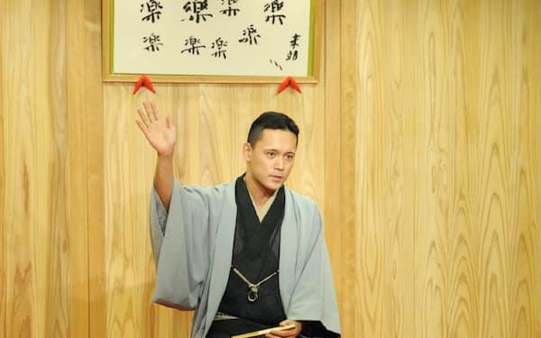 かつら・しんきち 1978年生まれ。奈良県大和高田市出身。98年に故桂吉朝に入門、桂米朝の内弟子を経験した。趣味の鉄道を題材にした落語も人気。10月11日に笑福亭鶴瓶らをゲストに初の独演会を大阪市福島区のABCホールで開く。