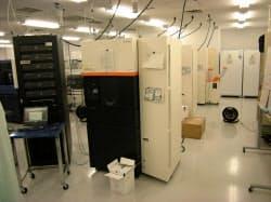 米ヘリコス社の最新鋭の高速ゲノム解読装置(横浜市の理研で)