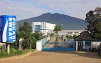 東南アジアでは清涼飲料「ポカリスエット」の生産を増強している(インドネシアの工場)