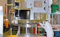 打ち上げ時は箱形だった=宇宙航空研究開発機構提供・共同