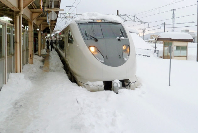 北極海の高気圧、日本に豪雪呼ぶ 海洋機構が解明: 日本経済新聞