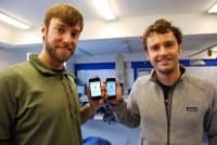 スマートフォン同士を「BUMP」することでクラウドサーバーを介し、情報を瞬時に交換する