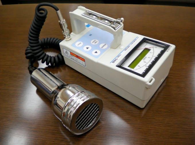 目に見えぬ放射線を測る「ガイガーカウンター」: 日本経済新聞