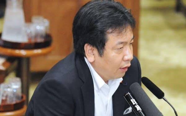 枝野官房長官の債権放棄発言が波紋を広げている(13日、参院予算委)