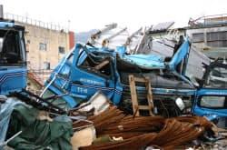 津波で流された鋼材運搬トレーラー