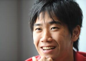 「ドルトムントはガンガン仕掛けていくサッカーだったから、フィットできた」と語る香川
