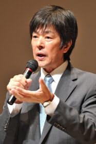 「震災後の経済活動自粛」という考え方には反対(講演する高田社長)