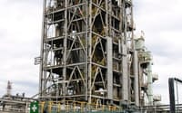 新日鉄エンジニアリングは新日本製鉄八幡製鉄所の敷地内に褐炭活用のパイロットプラントをつくり、高いエネルギー効率を実証。CO2の膜分離実験も行った(北九州市)