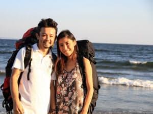 30キロのリュックを背負い、全国を旅する中川生馬夫妻