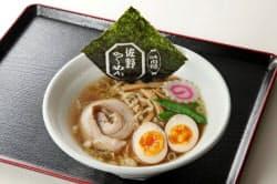 東北自動車道佐野サービスエリアの「佐野らーめん」など各地の名物料理を提供する。