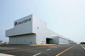 大型のプロペラを生産する玉島工場(岡山県倉敷市)