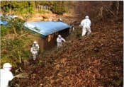 森林の除染は大量の汚染土が発生する(田村市、日本原子力研究開発機構提供)