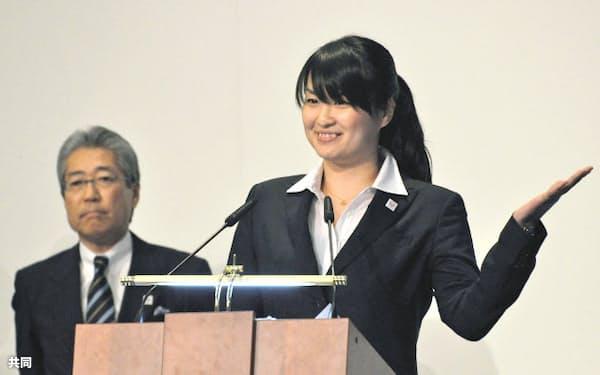 2020年夏季五輪招致のプレゼンテーションで、東京をアピールするアテネ五輪の競泳金メダリスト、柴田亜衣さん(14日、モスクワ)=共同
