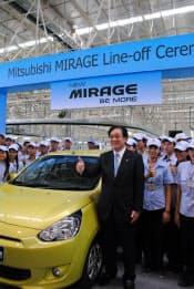 タイ第3工場のラインオフ式典に出席した三菱自の益子社長(4月19日、チョンブリ県)