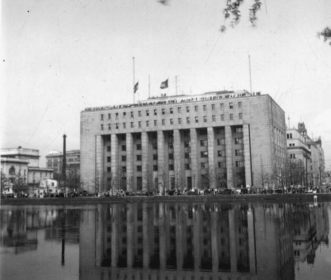 ソ連の講和会議出席に激しい反応: 日本経済新聞