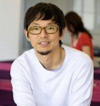 1996年に慶大環境情報学部を卒業。ソニー・ミュージックエンタテインメントを経て98年にカヤックを創業し代表取締役に就任。38歳