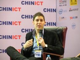 米国籍の放棄で集中砲火を浴びたフェイスブック共同創業者のエドゥアルド・サベリン氏(25日、中国・北京)