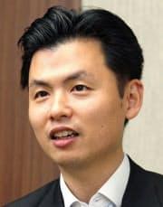 1997年ハーバード大経営大学院修了。マッキンゼー・アンド・カンパニーなどを経て2011年代表。14年会長に。