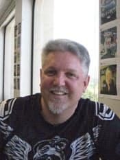 ジョージ・ケラマン(George Kellerman)氏 大学卒業後、1987年~90年に消防士として米軍三沢基地に勤務。ハワイ大学で哲学を学び、茨城県庁へ。その後、カリフォルニア大学バークレー校で法学を専攻し、法律事務所を経て99年に米ヤフー入社。ヤフー日本法人バイスプレジデント、ライブドアホールディングス社外取締役、デル日本法人販売担当執行役員などを歴任。2012年3月より500スタートアップスで日本などを担当。日本在住は12年に及び、現在はシリコンバレーを本拠地に毎月日本へ出張する。