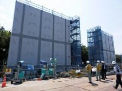 総延長1・5キロメートルに達する防波壁の建設が進む浜岡原発