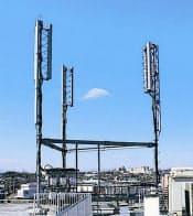 ドコモは現行の2GHz帯に加え、「プラチナバンド」の800MHz帯でもLTEを展開する(NTTドコモのLTE基地局)