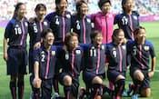 サッカー女子は25日、五輪開幕を前に1次リーグが始まった。F組の日本代表「なでしこジャパン」は初戦のカナダ代表を2-1で 破り、好スタートを切った(エトキ)カナダ戦に臨む「なでしこジャパン」