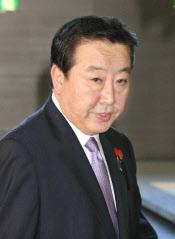 国会召集時期を慎重に探る野田首相(1日、首相官邸)