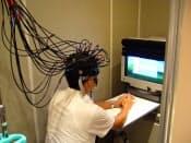 竹中工務店は脳科学を活用し、人が快適に感じる環境について研究を進めている