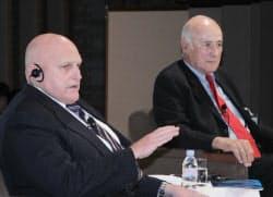 本社・CSISシンポに出席したアーミテージ元米国務副長官(左)、ナイ・ハーバード大学特別教授(26日、東京都千代田区)