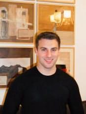 米エアB&Bのブライアン・チェスキー最高経営責任者(CEO)。サンフランシスコ市内のオフィスで。