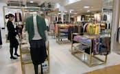 三越伊勢丹は自主企画商品を増やす(東京都中央区の三越日本橋本店の婦人服フロア)