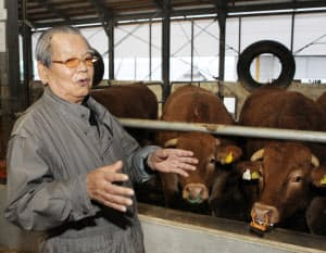 「赤毛和牛」の生産を手がける神内ファーム21の神内良一社長