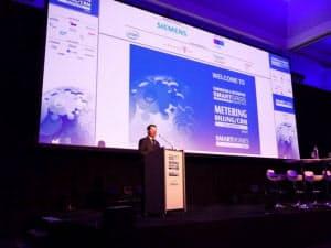 10月にオランダで開かれた「スマートホーム2012」。セミナーでは熱心な議論が続いた