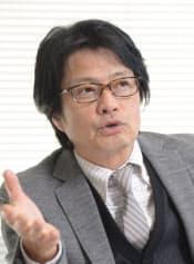 かめやま・ちひろ 1956年静岡県生まれ。早大政経学部を卒業後、フジテレビジョン入社。編成やドラマ制作部門を歩む。トレンディードラマのプロデューサーなどを経て、2003年に映画事業局長に就任。現在は常務として映画のほか、動画配信などコンテンツ全般を統括する。