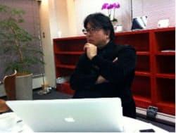 藤元健太郎氏 1967年生まれ。野村総合研究所在籍中の93年からインターネットビジネスの調査研究、コンサルティングをスタート。日本初のインターネットビジネス実験モール「サイバービジネスパーク」をプロデュース。99年に故大川功氏のもとでフロントライン・ドット・ジェーピーを立ち上げる。02年から現在のD4DR株式会社代表取締役。経済産業省産業構造審議会委員、青山学院大学大学院EMBA非常勤講師なども歴任。ITによるビジネスや社会システムのイノベーションを発信・提唱し続けている。