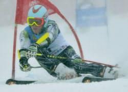 少年男子大回転で優勝した広島聖也(19日、花輪スキー場)=共同