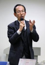 セミナーで質問に答える東大の喜連川優教授(東京都千代田区)