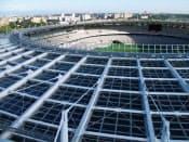 サンテックパワーの太陽光パネルを採用した味の素スタジアム(東京都調布市)